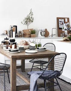 wooden table Home Design Decor, House Design, Home Decor, Outdoor Tables, Outdoor Decor, Scandi Style, Eclectic Style, Joko, Cool Ideas