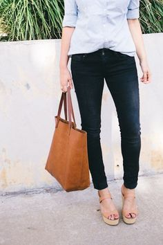 3 cabas couleur fauve à shopper dans le même style >> http://www.taaora.fr/blog/post/sac-cabas-cuir-fauve-cognac-marron-ou-trouver