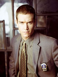 Mark-Paul Gosselaar and as a cop, be still my heart