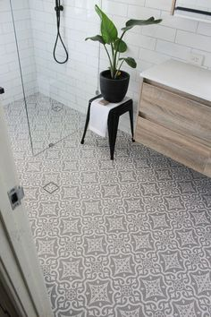 Wetterwissenschaft: Bauen Sie eine Windkraftanlage - New Ideas Wet Room Subway Tiles - Encaustic Floor - On the Ball Bathrooms - Walk In Shower - Wet Room Wet Room Bathroom, Wet Room Shower, Upstairs Bathrooms, Bathroom Floor Tiles, Simple Bathroom, Bathroom Ideas, Condo Bathroom, Shower Ideas, Slate Bathroom