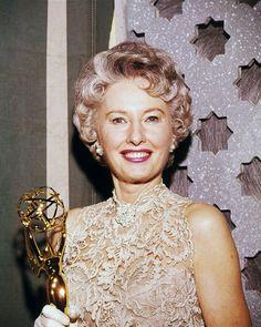 Golden Age Of Hollywood, Vintage Hollywood, Hollywood Glamour, Hollywood Stars, Classic Hollywood, Vintage Vogue, Vintage Ladies, Barbara Stanwyck, Santa Monica
