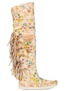 ISO free people el vaquero moccasin boot floral Lao interested in the tall fringed plain color Free People Shoes Moccasin Boots, Boot Shop, Luxury Shop, Mode Style, Leather Boots, Floral Prints, Fashion Tips, Fashion Design, Suddenly