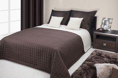 Přehozy na manželskou postel hnědo krémové barvy s kostkovaným vzorem