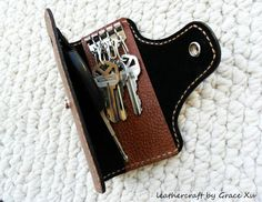 100% hand stitched handmade brown cowhide leather key purse / holder / case