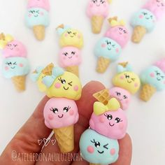 Diy Clay, Clay Crafts, Party Deco, Polymer Clay Charms, Cookie Decorating, Ideas Para, Princess Peach, Biscuits, Hello Kitty