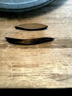"ceramic number ""TWO"" , "" 二 """