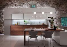 cocina-moderna-con-piedra.jpg 620×442 píxeles