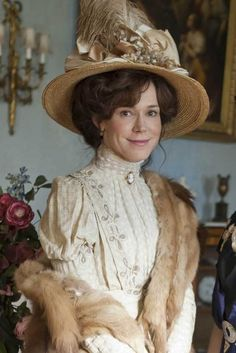 Frances O'Connor as Rose Selfridge in Mr. Selfridge (TV Series, 2013).