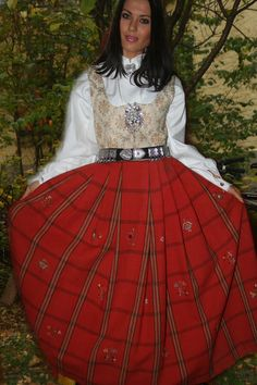 Gausdalsbunad! I want! Norway, Scandinavian, All Things, Victorian, Costumes, Ol, Womens Fashion, Birth, Traditional