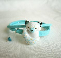 Wrap bracelet, Artict Fox polymer clay bracelet, White and mint green from FlowerLandShop on Etsy. Polymer Clay Animals, Cute Polymer Clay, Cute Clay, Polymer Clay Projects, Polymer Clay Creations, Clay Crafts, Polymer Clay Bracelet, Bracelet Crafts, Polymer Clay Charms