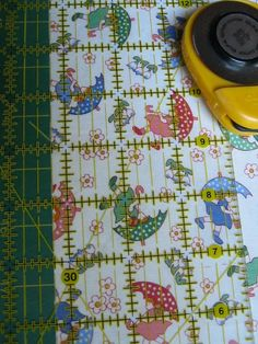 Fabric For Sewing Make the first cut count — every time — by learning this simple method for how to square up fabric yardage. - Make the first cut count — every time — by learning this simple method for how to square up fabric yardage. Quilting Blogs, Quilting Tutorials, Quilting Projects, Quilting Designs, Sewing Projects, Patchwork Quilting, Fabric Crafts, Sewing Crafts, Quilt Patterns
