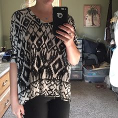 Tribal Light Fall sweater Super light sweater! V neck, super comfy!!! Cotton On Sweaters V-Necks