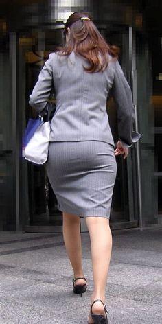 Sexy Skirt, Dress Skirt, Peplum Dress, Cute Asian Girls, Beautiful Asian Girls, Tight Dresses, Dresses For Work, Pencil Skirt Work, Sexy Hips