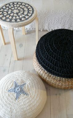 Floor Cushion Crochet Star - ecru and black.