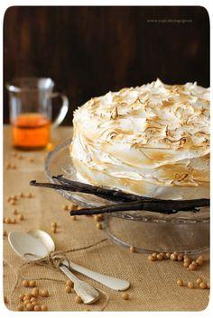 Tarta de café y merengue Bakery Recipes, Cooking Recipes, Coffee Deserts, Meringue Pavlova, Puerto Rican Recipes, Cake & Co, Coffee Recipes, Good Food, Baking