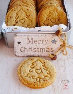 biscotti natalizi miele e cannella Biscotti Biscuits, Biscotti Cookies, Cookies Et Biscuits, Xmas Food, Christmas Sweets, Christmas Cooking, Merry Christmas, Bakery Recipes, Cookie Recipes