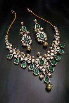 diamond emerald necklace – boutiquedesignerj… diamond emerald necklace – boutiquedesignerj… - My Accessories World India Jewelry, Jewelry Sets, Fine Jewelry, Gold Jewellery, Diamond Jewelry, Emerald Necklace, Diamond Pendant Necklace, Men Necklace, Schmuck Design