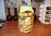 Nakládaný hermelín s bylinkami Pesto, Dairy, Cheese, Food, Essen, Meals, Yemek, Eten