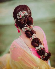 Gorgeous New Floral Braids That Are Perfect For The Mehendi Bridal Hair Tips, Bridal Braids, Bridal Hairdo, Unique Wedding Hairstyles, Indian Bridal Hairstyles, Bride Hairstyles, Hairdos, Bridal Hair Inspiration, Diy Braids