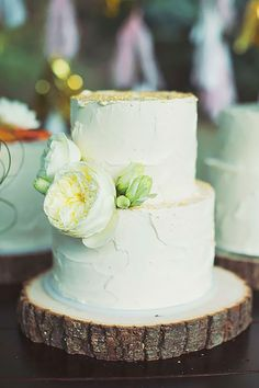 Small Wedding Cakes With Big Style ❤ See more: http://www.weddingforward.com/small-wedding-cakes/ #weddings