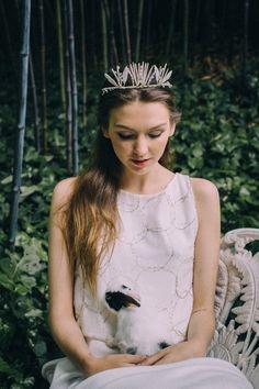 Boho Brautkleid von Beba's Closet #hochzeit #braut #brautkleid #boho #romantisch #tiara #diadem