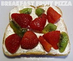 Breakfast Fruit Pizza Recipe - simply amazing and takes less than 5 minutes to prepare!  http://www.stockpilingmoms.com/2012/07/breakfast-fruit-pizza/