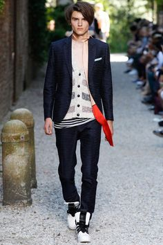 Catwalk photos and all the looks from Andrea Pompilio Spring/Summer 2016 Menswear Milan Fashion Week