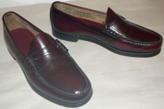 Bass Weejuns Logan Burgundy Classic Penny Loafers Shoes Men's 10 D NEAR MINT