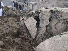 5月2日、アフガニスタン北東部バダフシャン州で大規模な地滑りが発生し、数百人が死亡、2000人以上が行方不明となった。提供写真(2014年 ロイター)