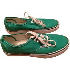 Baskets VANS Vert (€40) ❤ liked on Polyvore featuring shoes, sneakers, vans, socks and shoes, vans footwear, vans trainers, vans sneakers and vans shoes