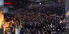 Halkalıda Aşura Matem Merasimi düzenleniyor : HZ. Muhammedin torunu İmam Hüseyin ve beraberindeki 71 kişinin Kerbelada öldürülmesinin yıl dönümü nedeniyle Halkalıda Geleneksel Aşura Matem Merasimi düzenleniyor. Yahya Kemal Beyatlı Kültür Merkezinde yapılan anma etkinliğine binlerce kişi katılıyor.Anma etkinliği nedeniyle polis çevrede gü...  http://ift.tt/2dY7Cz9 #Türkiye   #kişi #Halkalı #düzenleniyor #neden #Merasimi