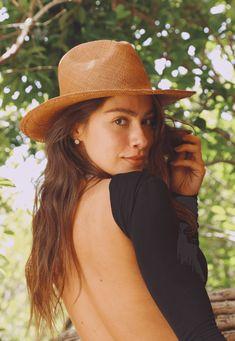 35383 blusa new rules mundo lolita 02 Cowboy Hats, Fashion, Bandeau Outfit, Skinny, Neckline, Live Life, Moda, Fashion Styles, Fashion Illustrations