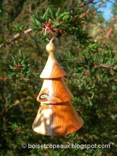 Tournage sur bois et artisanat - Woodturning and craftwork: Boules de Noël - Christmas ornaments