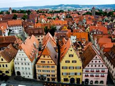 Rothenburg ob der Tauber - a little slice of Romantische heaven (by Cheryl Bouwer)