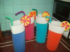 Gorros de goma espuma para 15 años - Imagui Cute Crafts, Crafts For Kids, Crazy Hats, Ideas Para Fiestas, Luau, Puppets, Dragon Ball, Costumes, Creative