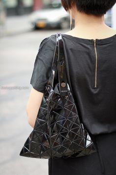 stylespotting.com_bao_bao_issey_miyake_streetstyle_new_york_city-3