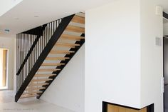 Seuraavatalo: Portaat Tähtiporras/Pasi Alanen Cottage Living Rooms, Interior Decorating, Stairs, Inspiration, Content, Home Decor, Living Room, Biblical Inspiration, Stairway