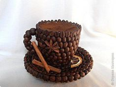 23 Clever DIY Christmas Decoration Ideas By Crafty Panda Coffee Bean Art, Coffee Cup Art, Coffee Beans, Jute Crafts, Diy Arts And Crafts, Pause Café, Coffee Lover Gifts, Coffee Lovers, Coffee Crafts