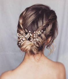Easy Hairstyles 80 wedding hairstyles to reproduce for D Day Hairstyles 80 wedding hairstyles to reproduce for D Day Braided Hairstyles Updo, Short Wedding Hair, Wedding Hairstyles For Long Hair, Wedding Hair And Makeup, Bride Hairstyles, Bridal Hair, Indian Hairstyles, Formal Hairstyles, Natural Hairstyles
