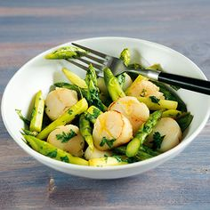 Jakobsmuscheln mit grünem Spargel Rezept   Küchengötter