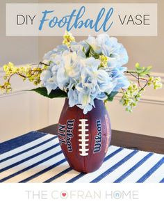 Who's ready for football season?! Ok, I'll admit, I usually have no clue what's going on during the game – but you know I love a good theme! This fun flower v… Football Banquet, Football Decor, Football Crafts, Football Stuff, Cheer Banquet, Football Food, Football Desserts, Football Wedding, Kids Football