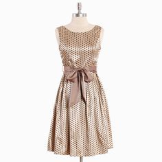 I think this would be cute for bridesmaid dresses someday. I'm sick of solid color ones, i want mine to be patterned or different in some way.