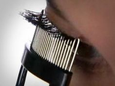 I've always had a lash comb in any of the brush collections I buy. Pink Lips Makeup, No Eyeliner Makeup, Eye Makeup Tips, Makeup Trends, Yoga Facial, Bright Pink Lipsticks, Vestidos, Makeup Eyes, Natural Beauty Tips