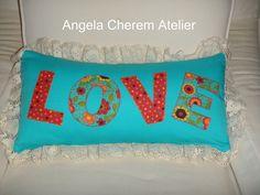 https://flic.kr/p/bdgHwM | Almofada retangular LOVE com renda nas bordas | angelacherem@hotmail.com