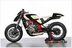 Honda GP250R Café Racer
