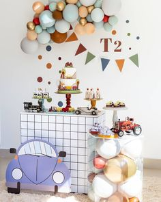 Baby Boy 1st Birthday Party, Happy Birthday, Car Themed Parties, Baby Event, Birthday Balloons, Birthday Decorations, Party Time, Event Design, Holiday Decor