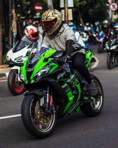 Bike Bmw, Motorcycle Bike, Ninja Bike, Biker Boys, Custom Sport Bikes, Kawasaki Zx10r, Zx 10r, Motocross Bikes, Kawasaki Motorcycles