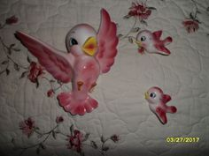 PY SET OF 3 PINK CERAMIC BIRD WALL PLAGUES/LIKE THE LEFTON BLUE BIRD