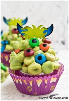 Learn how to make easy monster blob cupcakes for Halloween. All you need is melted chocolate, m&m candies and cereal. It's a fun craft to do with kids!