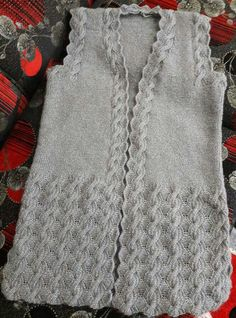 Woman Knit Vest 2020 - How do you wash knits in the washing machine Baby Knitting Patterns, Free Knitting, Pullover Design, Sweater Design, Knitted Baby Clothes, Turkish Fashion, Baby Vest, Embroidery Suits, Vest Pattern
